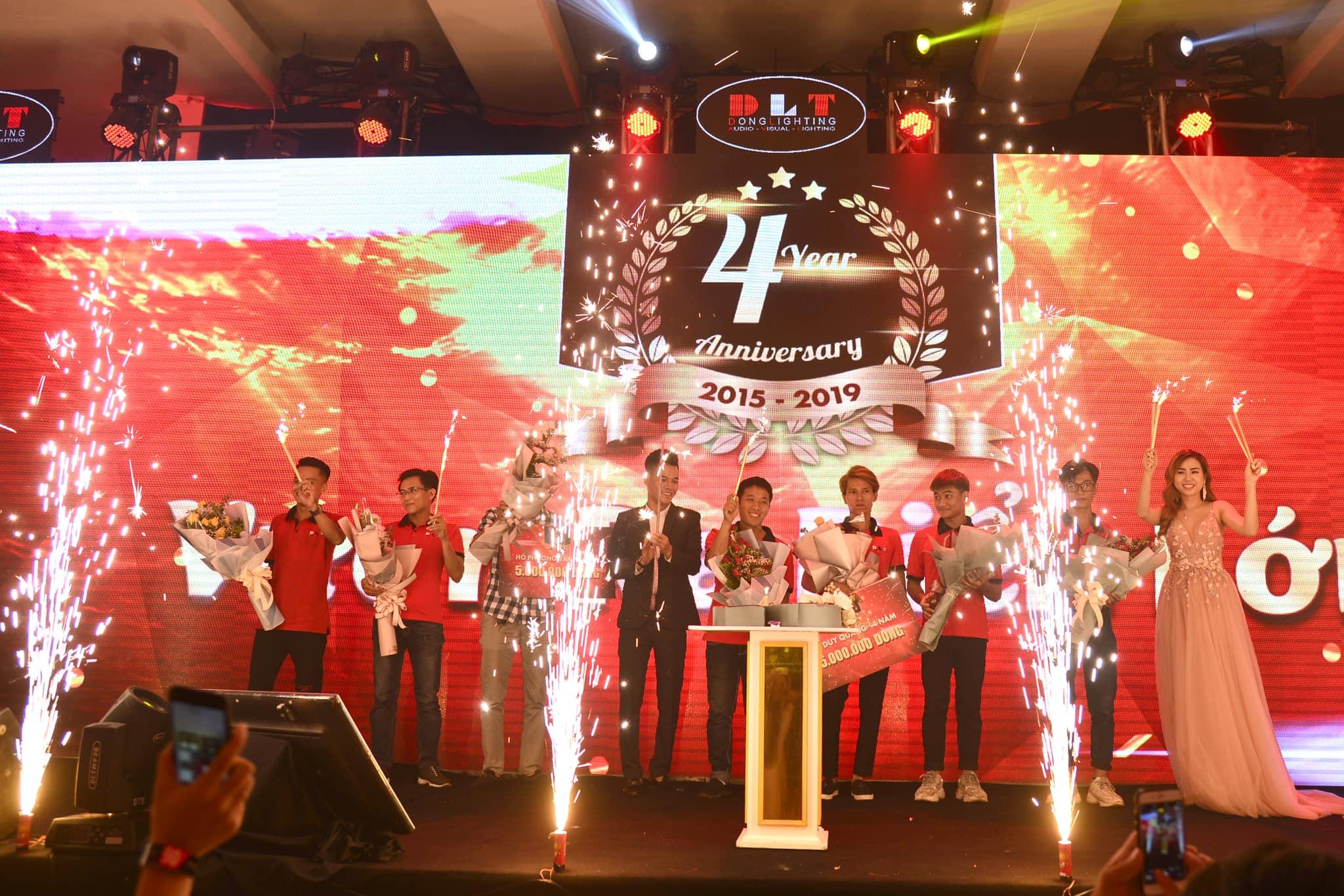 tri ân khách hàng tại Đà Nẵng